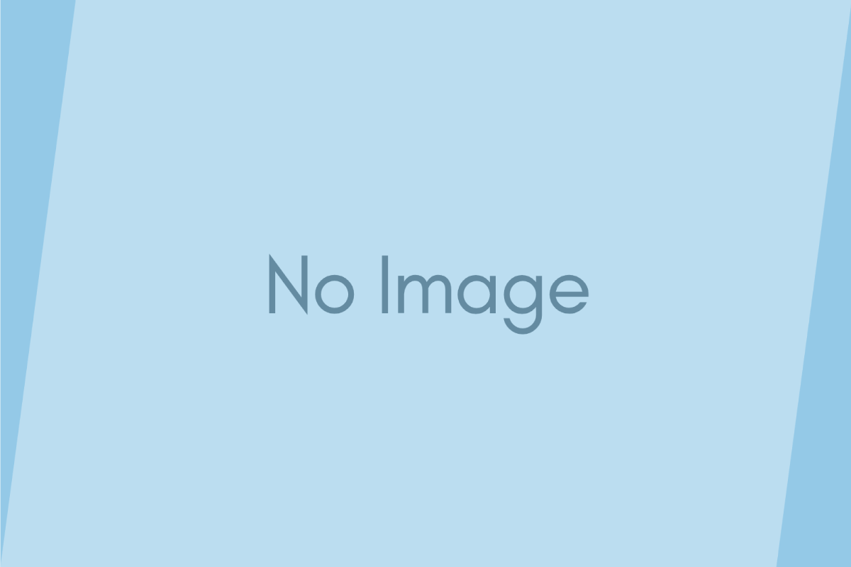 [0049] 疲れ目撃退!? iPhone用 ブルーライト低減シート