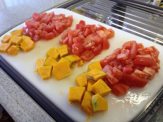 004.トマト、カボチャ切り分け