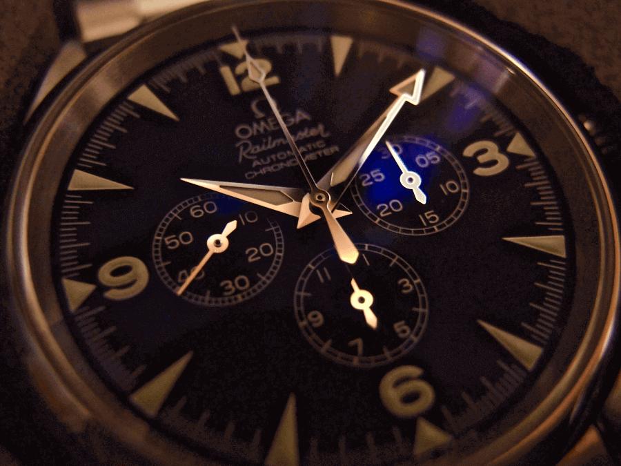 [0032] 二つ目の機械式時計 Ω オメガ レイルマスタークロノグラフ