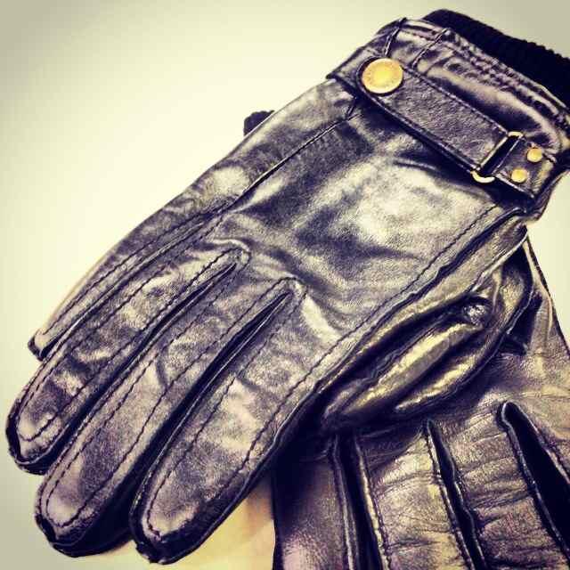 2.DENTS手袋