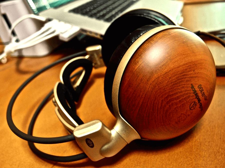 [0078] 10年経っても色あせない… オーディオ テクニカ 木製ヘッドホン ATH-W100