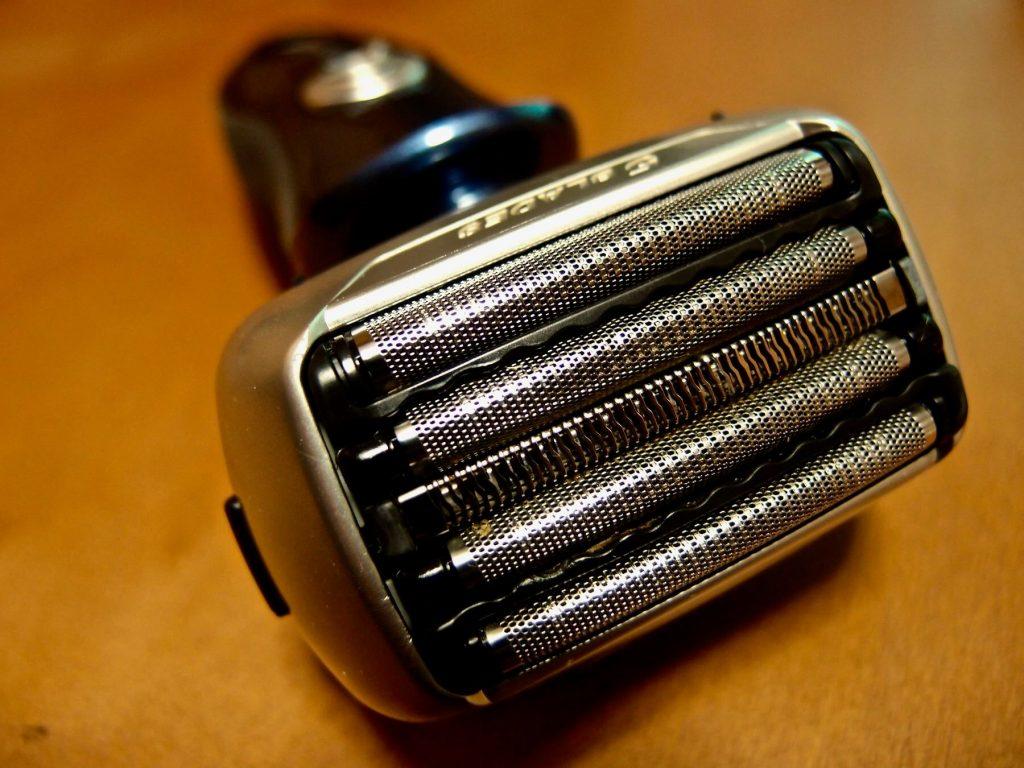 [0082] 肌に優しく深剃りできるパナソニック ラムダッシュの5枚刃の実力