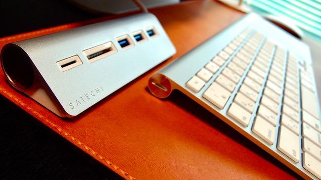 04 Satechi Aluminum Hub USB 3 0 Card Reader
