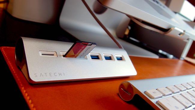 06 Satechi Aluminum Hub USB 3 0 Card Reader
