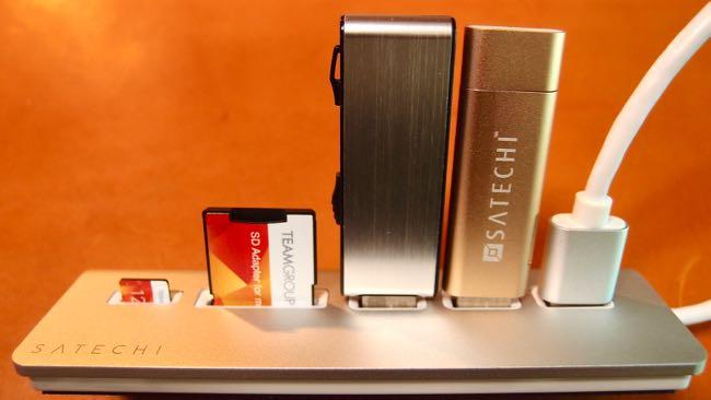 12 Satechi Aluminum Hub USB 3 0 Card Reader