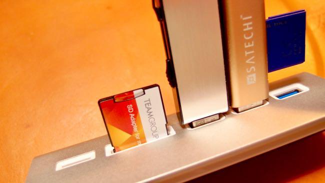 14 Satechi Aluminum Hub USB 3 0 Card Reader