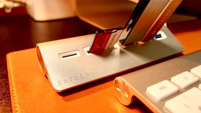 15 Satechi Aluminum Hub USB 3 0 Card Reader