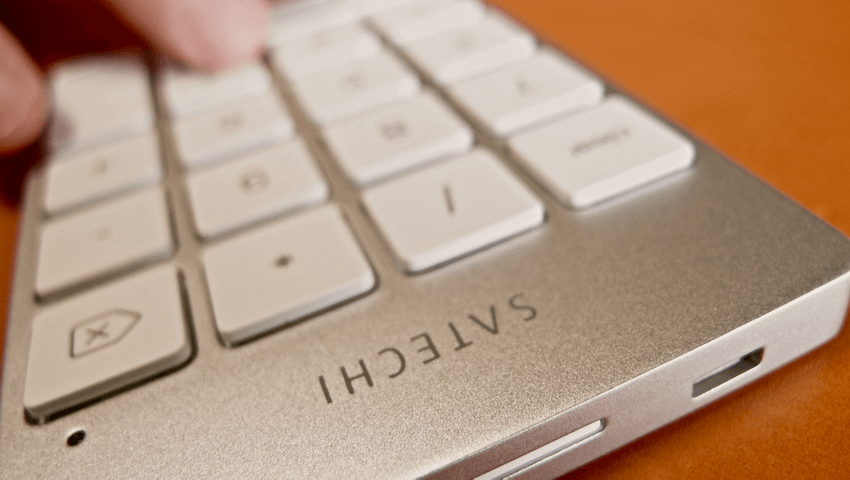 16 Satechi premum Aluminum Wireless Keypad Silver