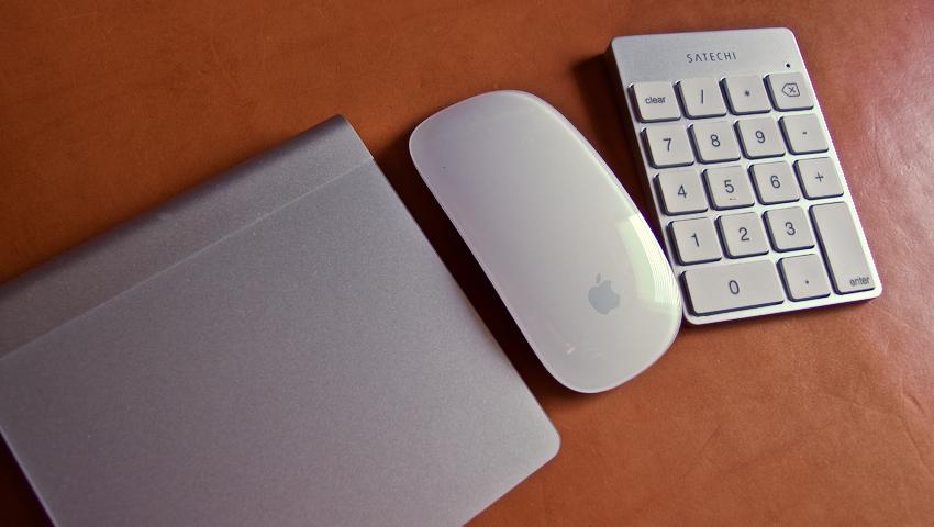 18 Satechi premum Aluminum Wireless Keypad Silver
