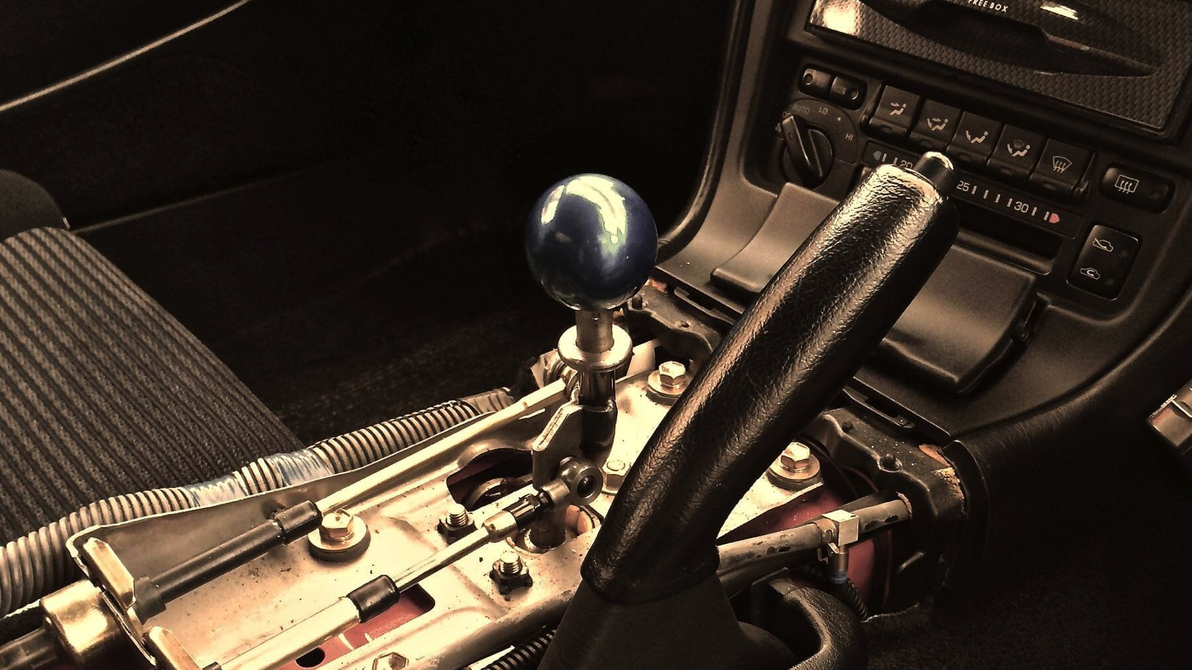 01 MR2 shift knob