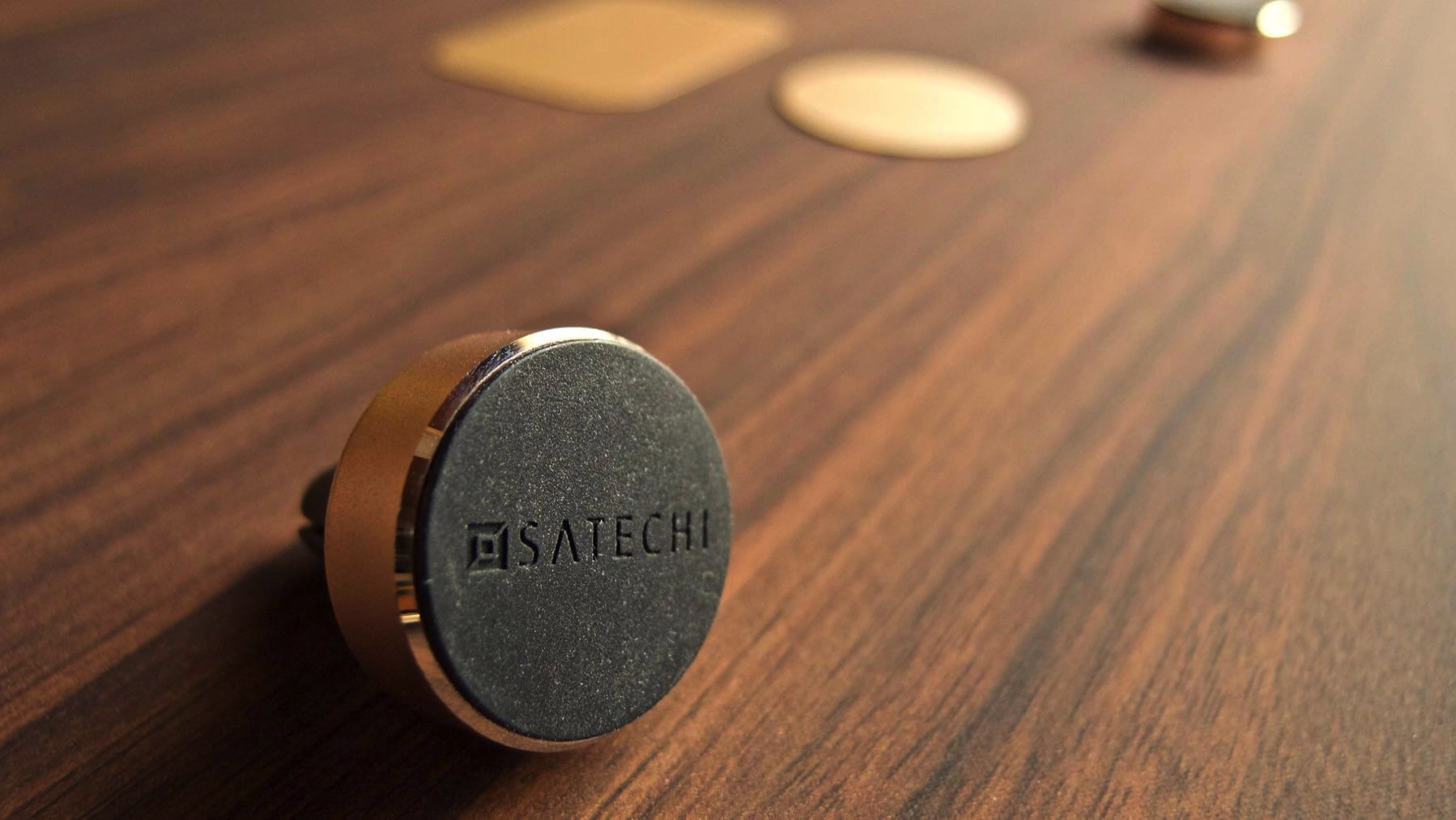 05 Satechi Magnetmount