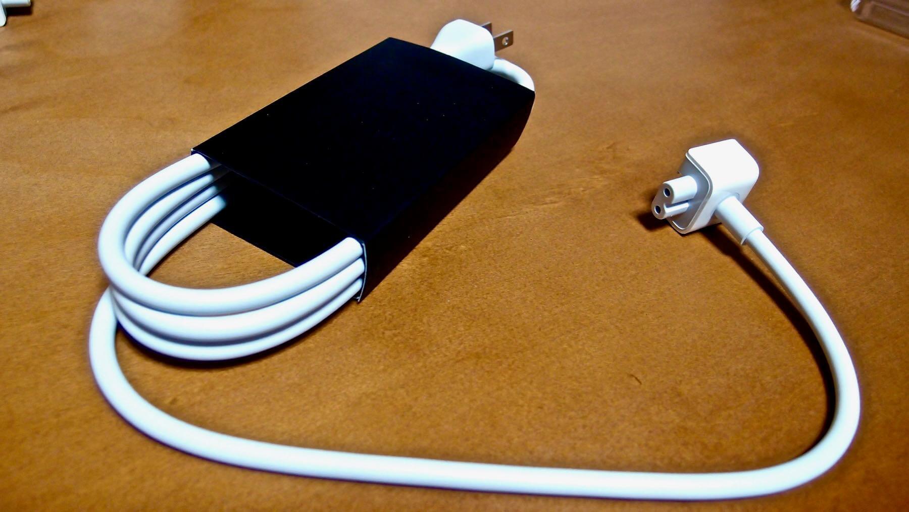 14 MacBook Air AC Adapter