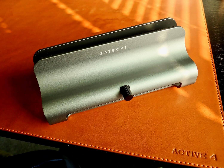 Satechi aluminum vertical lap stand Space gray exterior