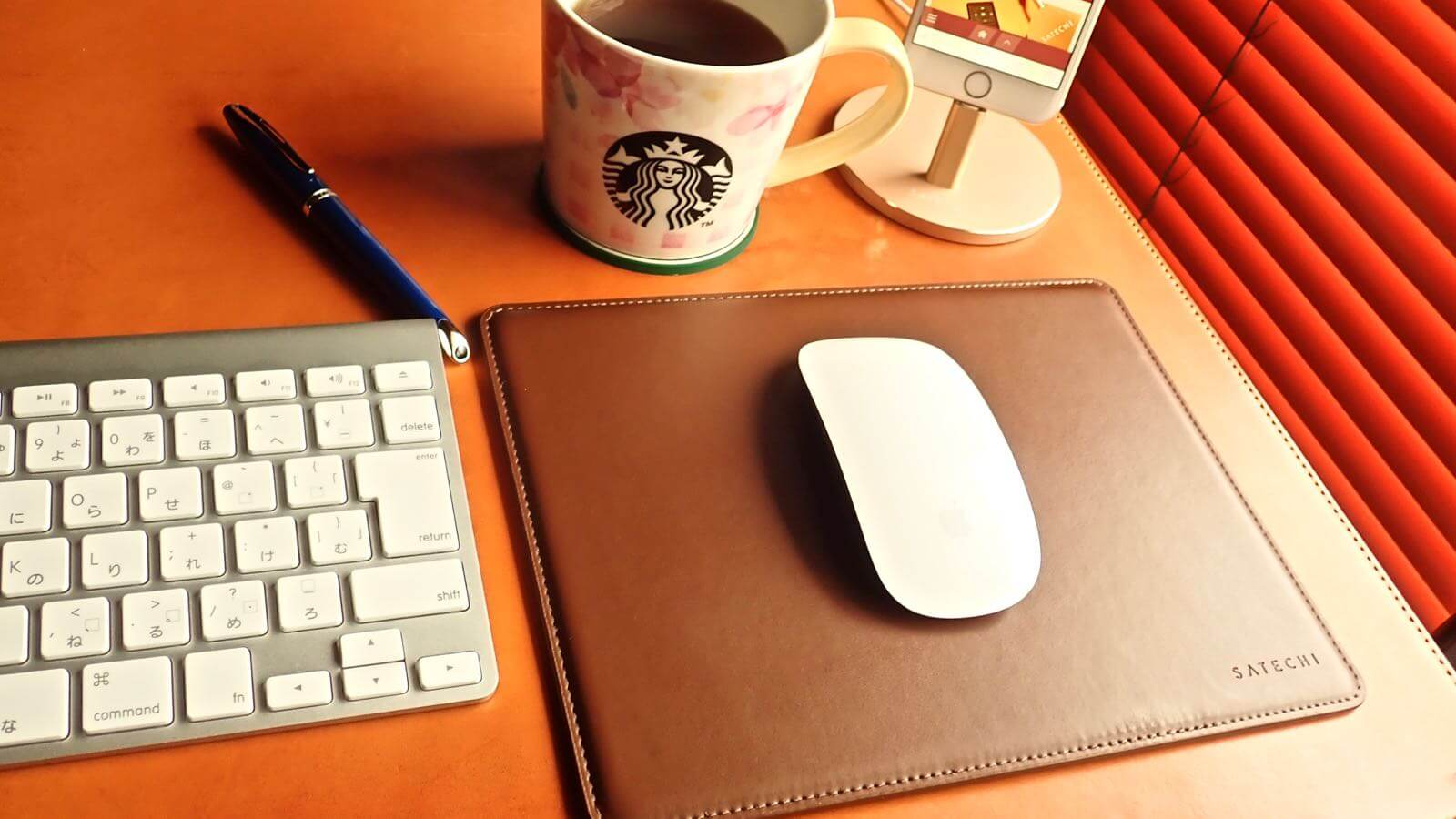 0196 Satechi Mouse pad Aluminum EcoLeather 09