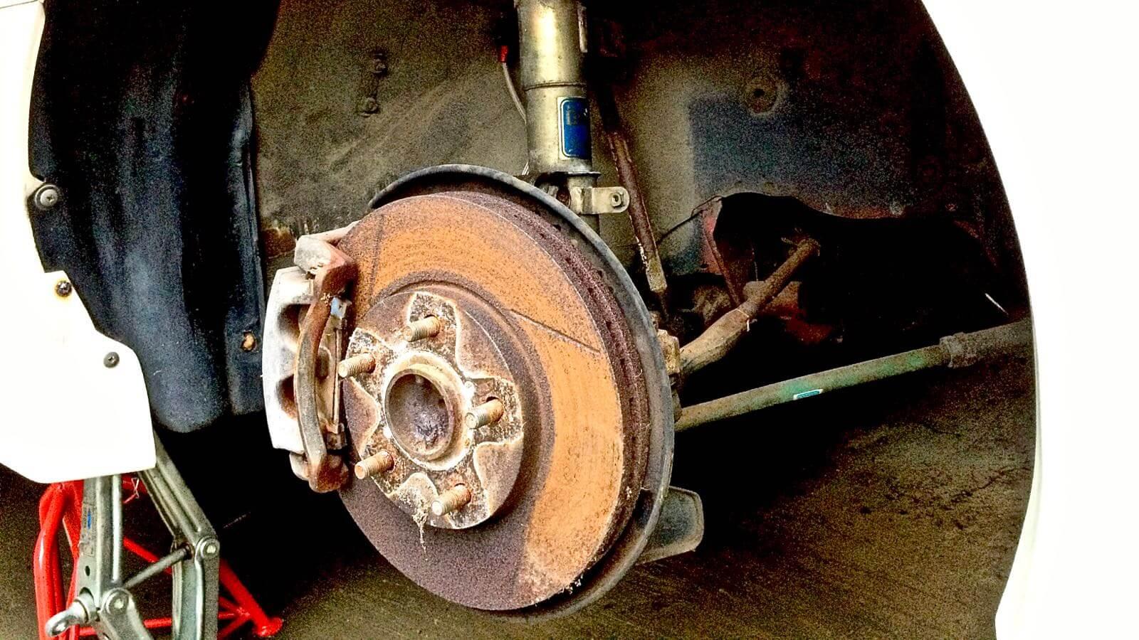 0142 MR2 Restore Plan  Part 15 02 SW20 Brake rotor rust