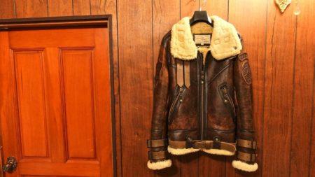 [0056]寒い季節にオススメなフライトジャケット B-3とは?