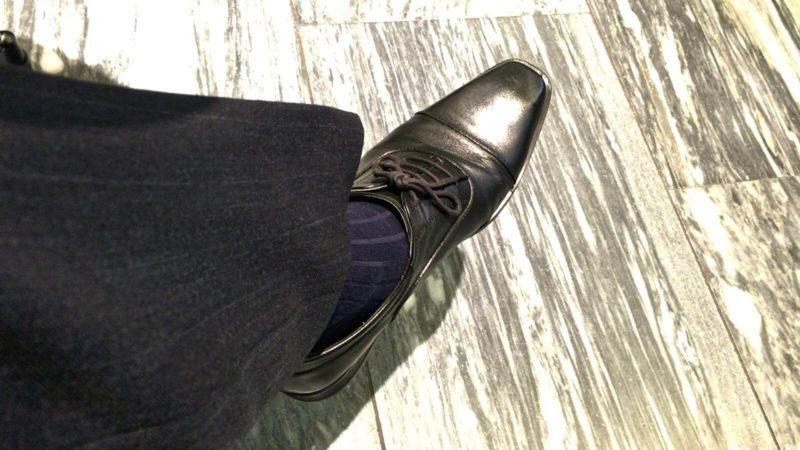 [0171] 寒さ対策とスマートさを両立させたロングホーズの靴下とは?