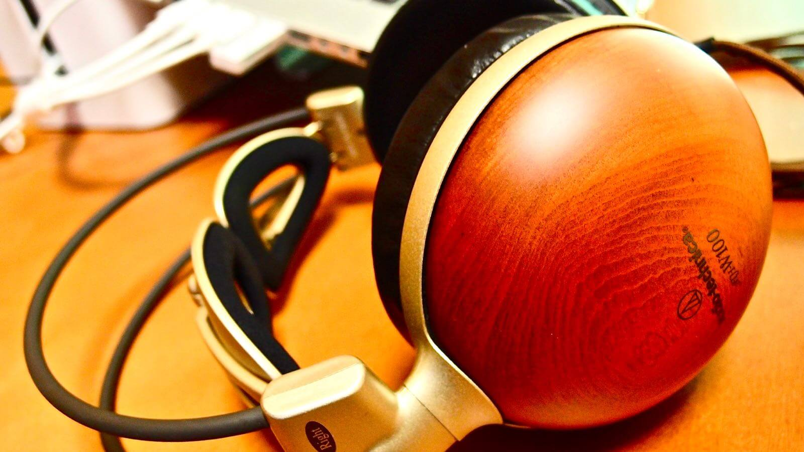 0078 After 10 years of Audio Technica Wooden Headphones ATH W100 01