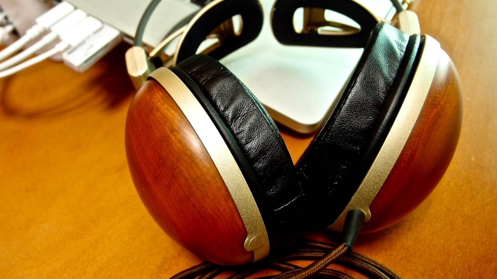 0078 After 10 years of Audio Technica Wooden Headphones ATH W100 02