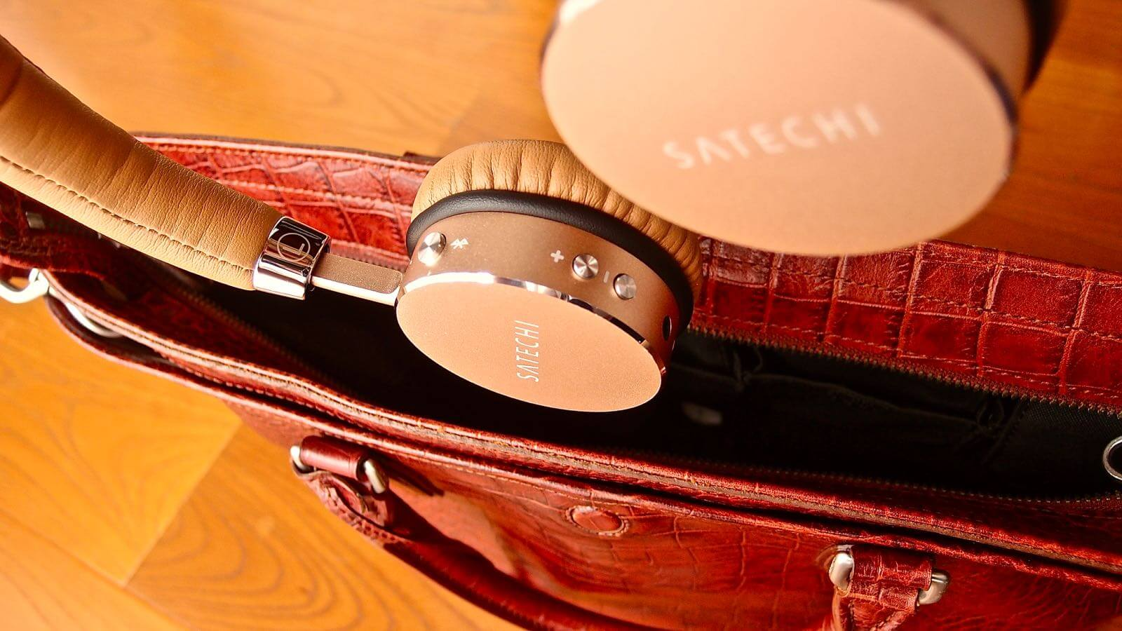 0157 Satechi wireless headphone ST AHP Review 23