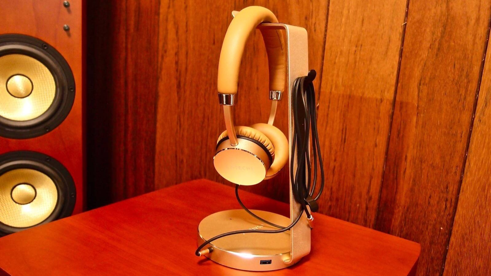 0160 Satechi s Headphone Stand Review 10