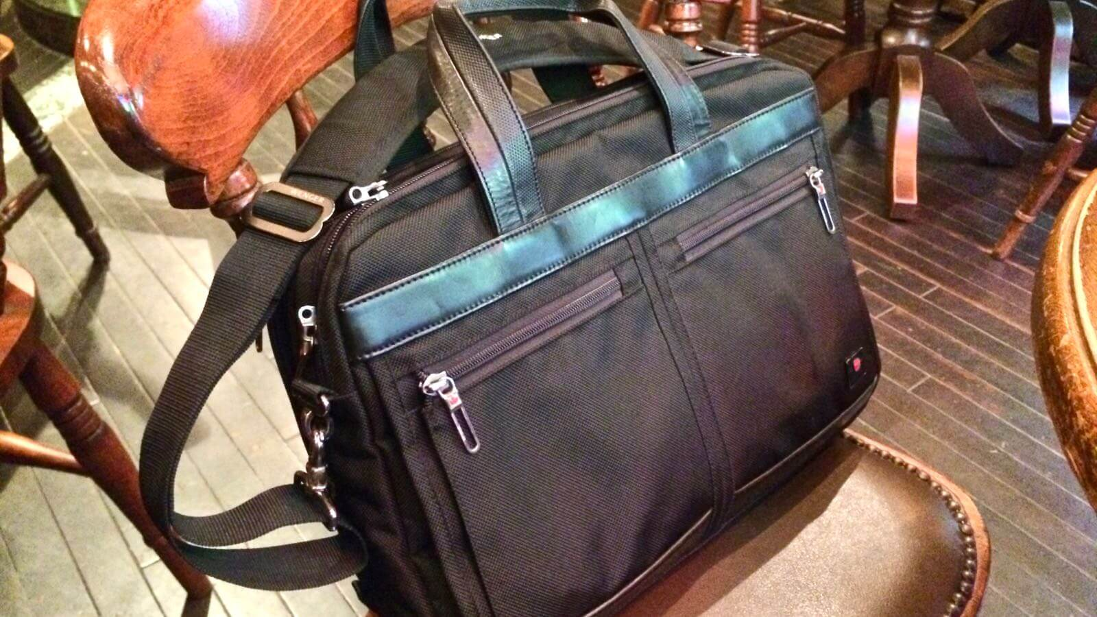 0109 WENGER Anglyph II Bag Review 01