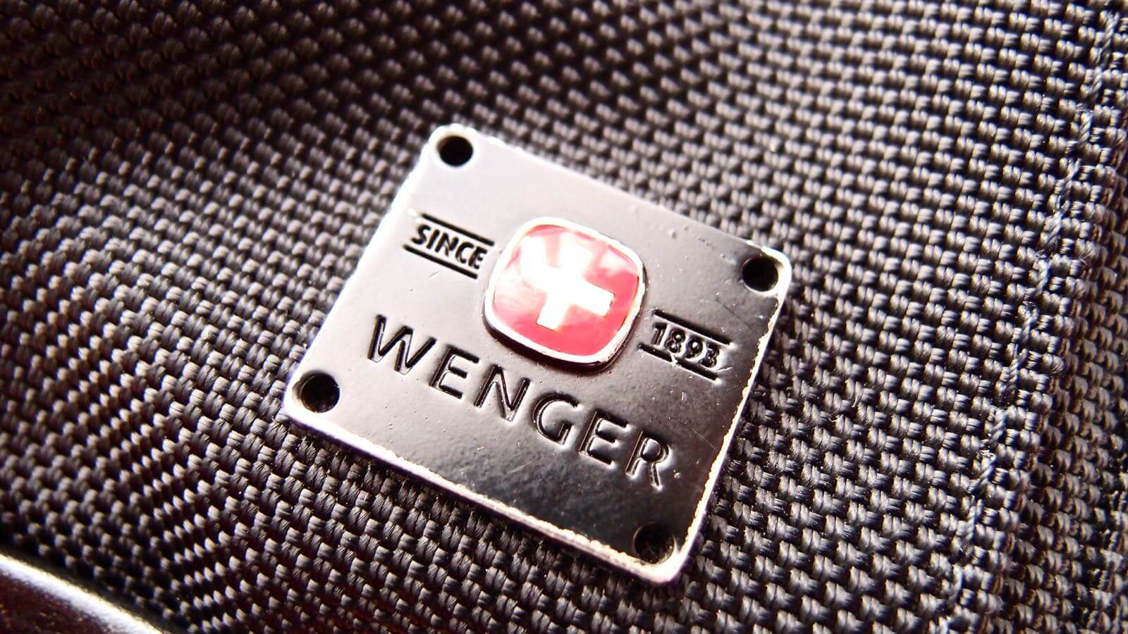 0109 WENGER Anglyph II Bag Review 02
