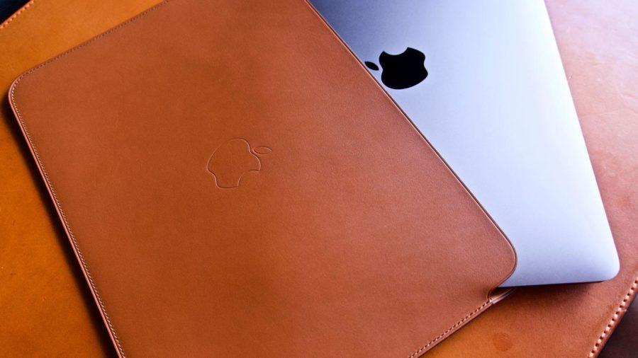 [0216] MacBook用純正レザースリーブは最高のフィッテングの為のギミックが詰め込まれたアイテムだ!!
