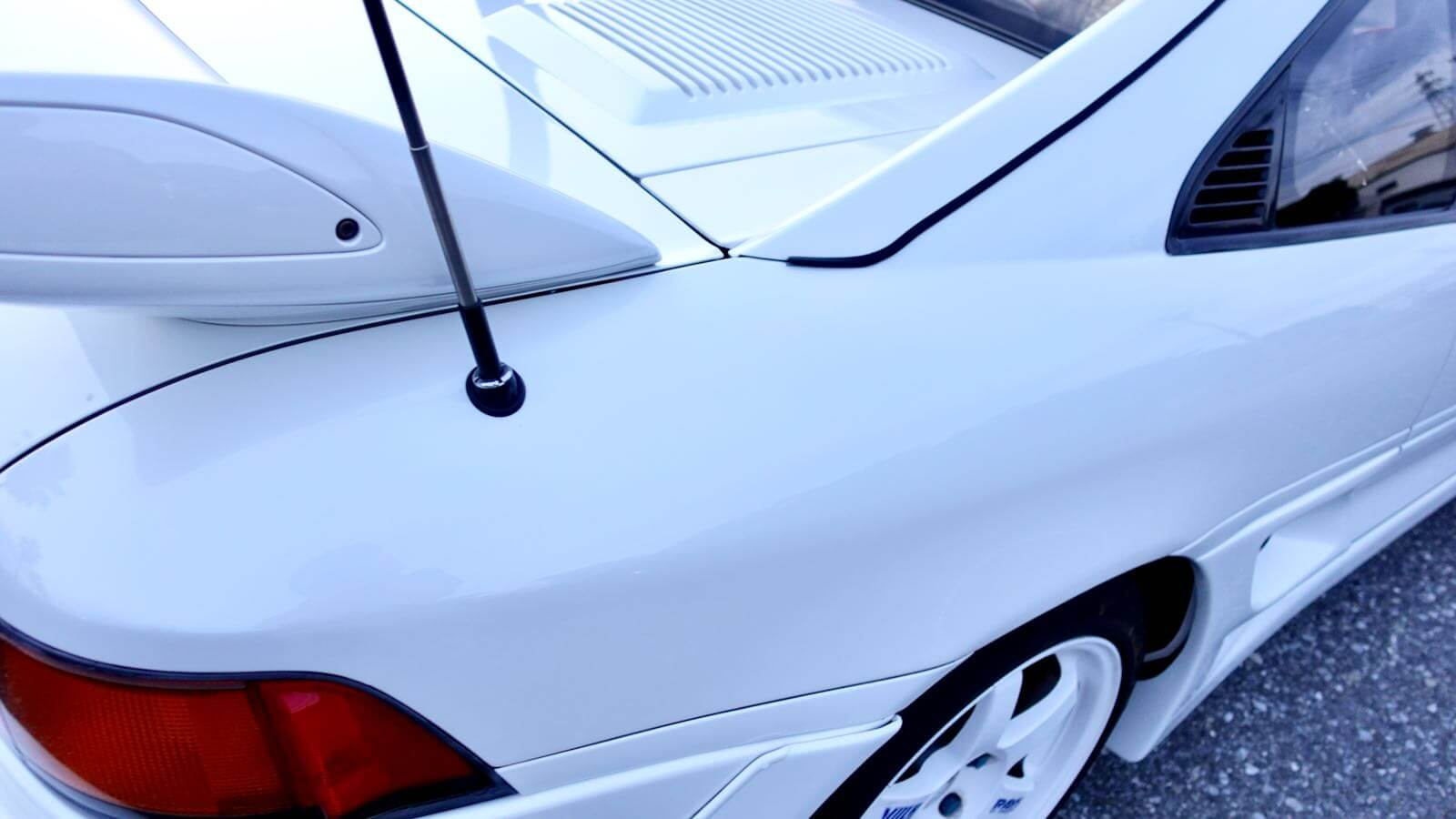 MR2 elevating antenna
